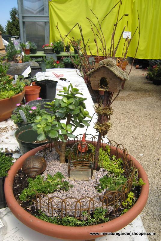 Горшок своими руками в саду фото