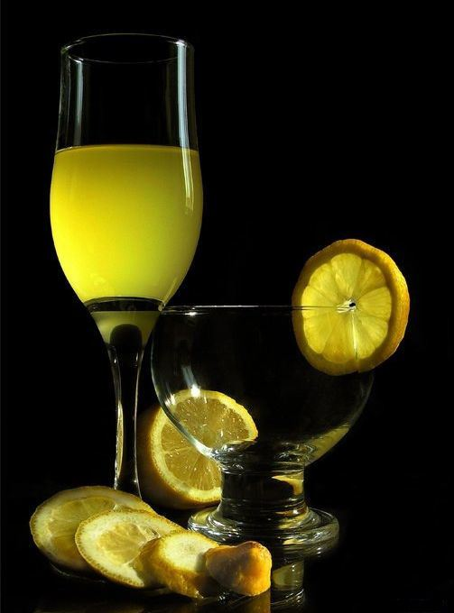 натюрморт с лимоном: