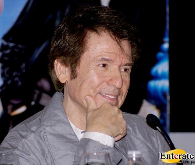 Испанский певец Рафаэль Мартос Санчес песни