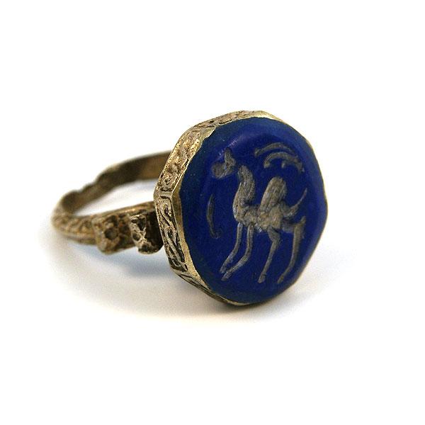 кольцо со знаком всадник