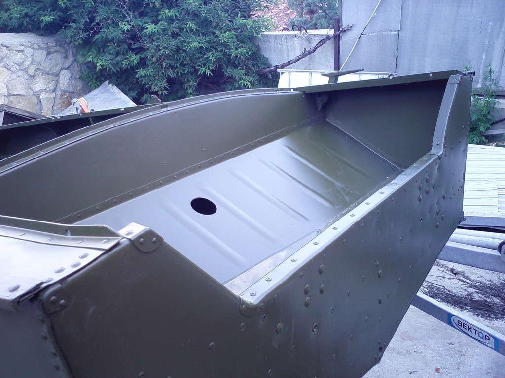 лодку лучше красить