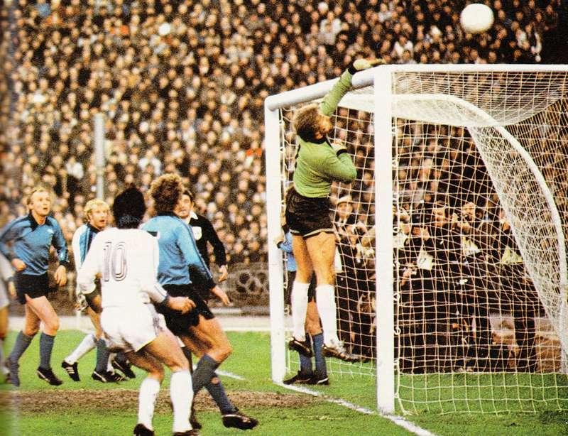 Эксклюзив от eurocups-uefa.ru: ECCC-1976/1977 Dinamo Kiev - Bor. Mönchengladbach (06.04.1977)