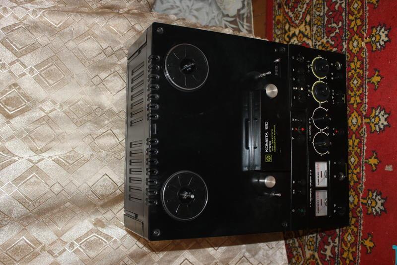 продам катушечный магнитофон Комета 120