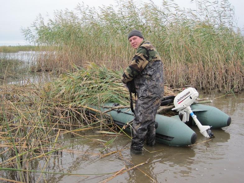 маскировка лодок на утиной охоте