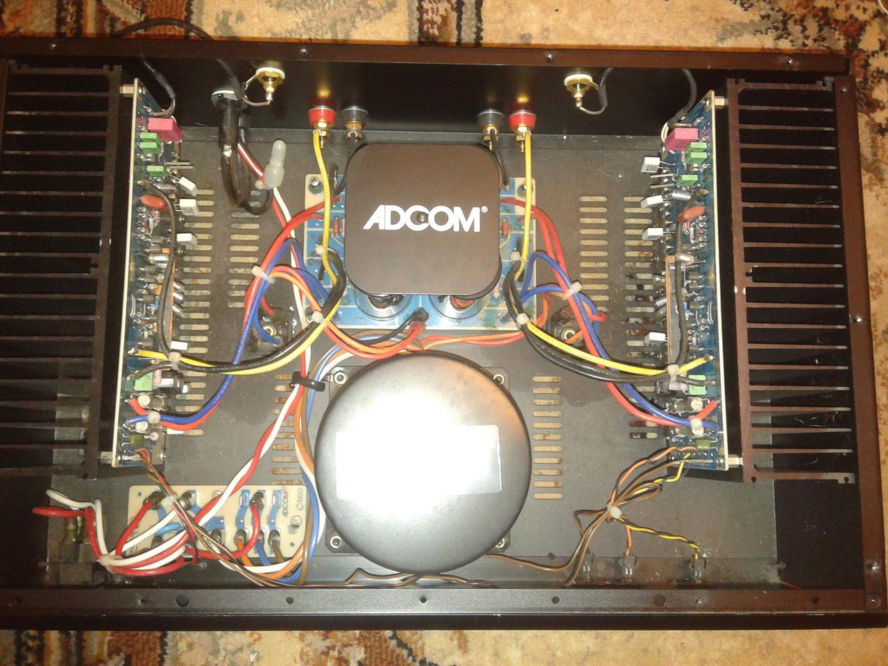 Мощник ADCOM GFA-545-II.