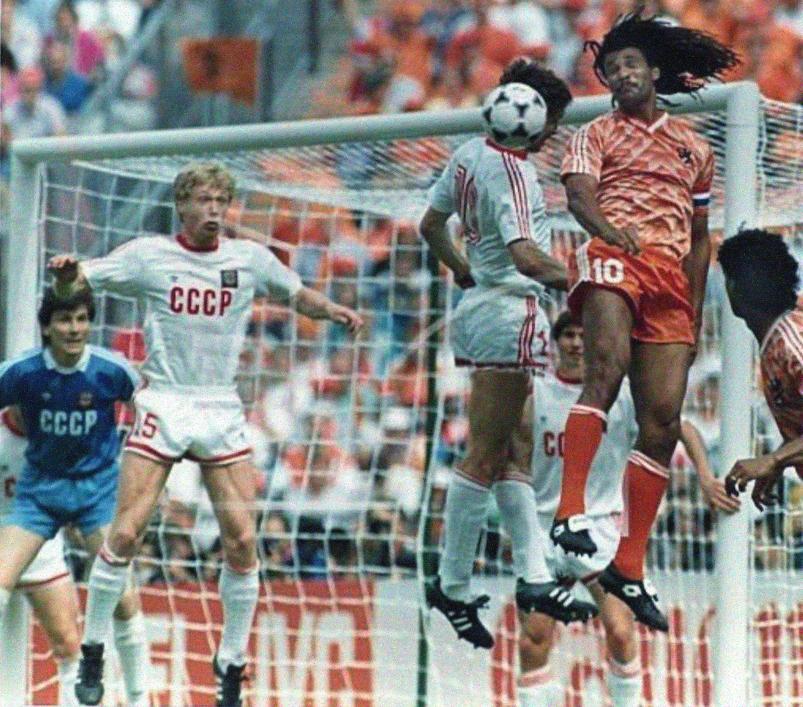 электричек че 1988 по футболу весьма редкое