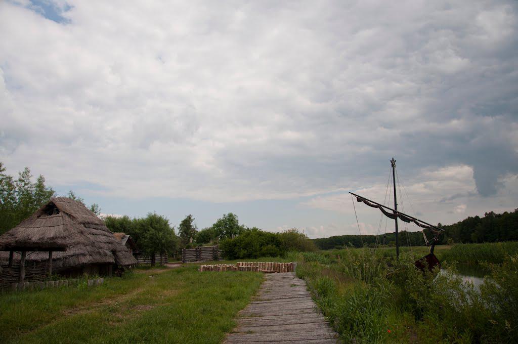 Реконструкция древнеславянской ладьи.