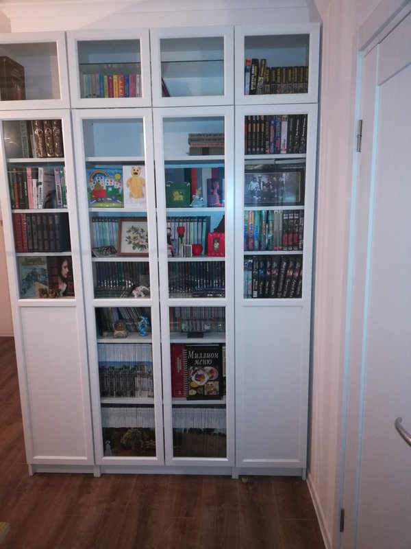 Книжный шкаф, нужен совет.