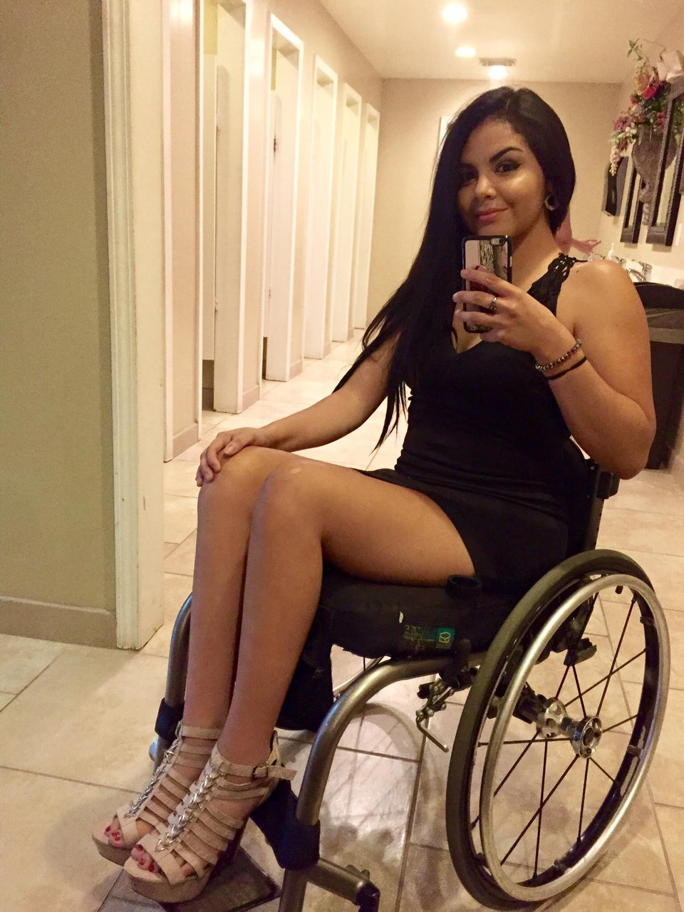 Wheelchair Girls - Amputee Devotee