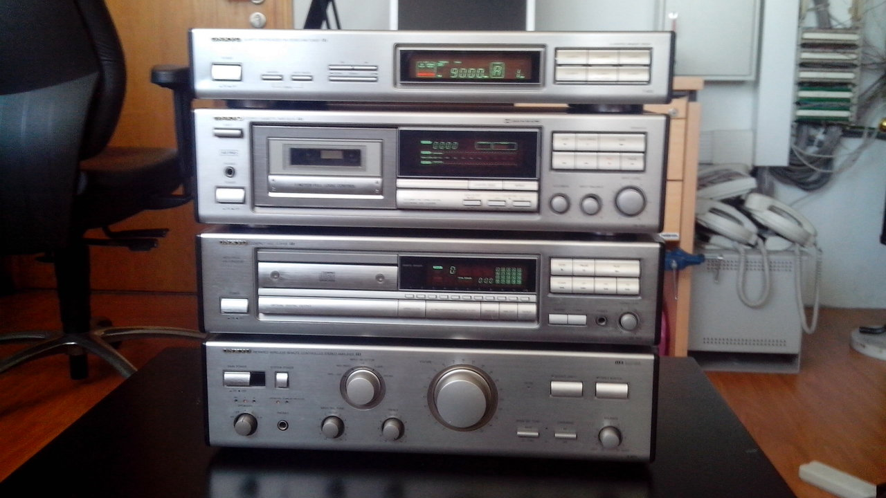 Комплект Sony - усилитель, тюнер, CD