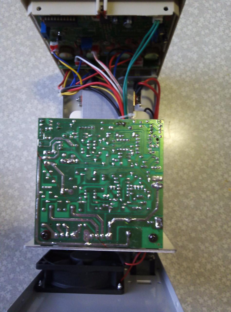 Установка цифрового вольтметра в блок питания Б5-30.