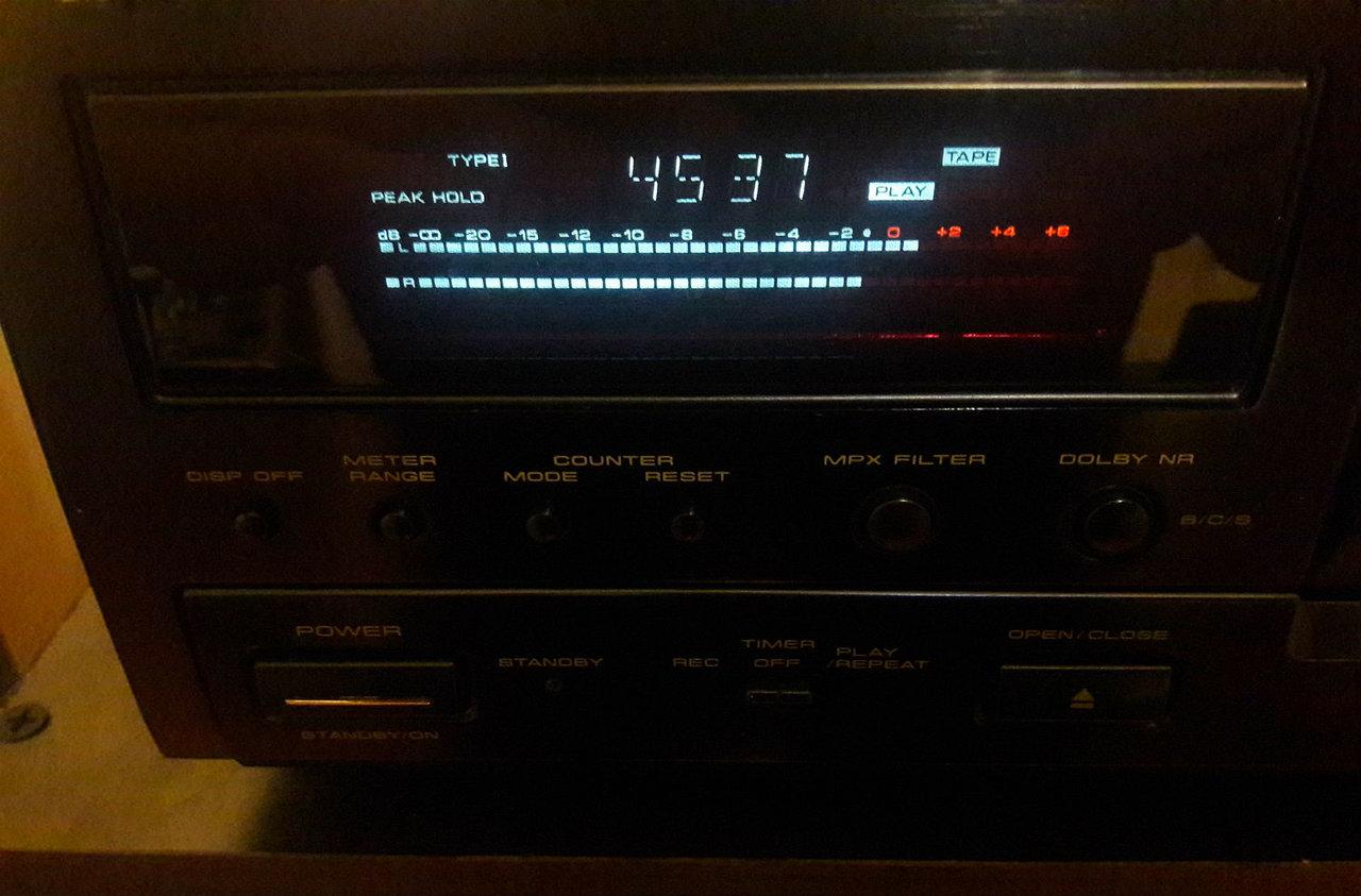 Кассетная дека Pioneer CT-S740S в магазинной комплектации.