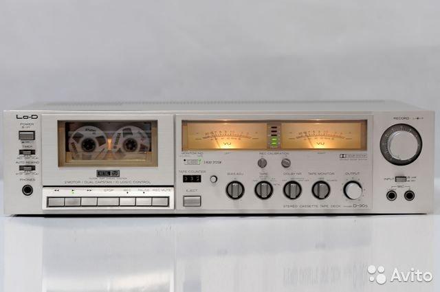 Красивая кассетная дека Денон DR-1. Стрелочки