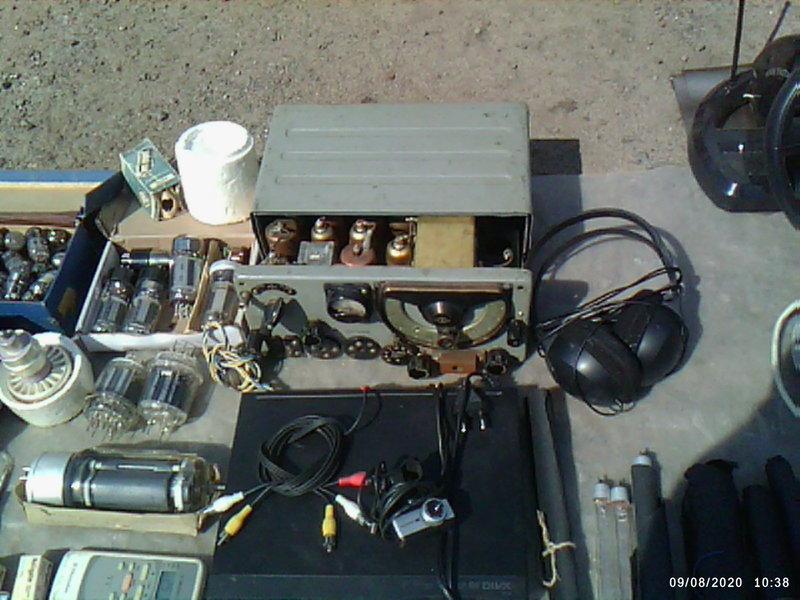 помогите опознать радиоприемник...